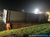 Gewonde bij gekantelde vrachtwagen op A7 bij Scharmer