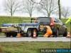 Auto-met-aanhanger-van-de-weg-op-N366-bij-Musselkanaal