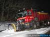 Sneeuwschuiver-glijdt-van-de-weg-bij-Blijham